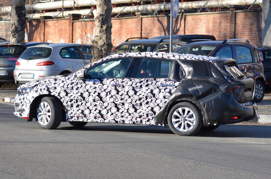 Fiat Tipo Station Wagon spy shots