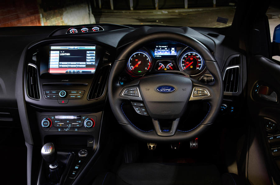 Ford Focus RS dashboard