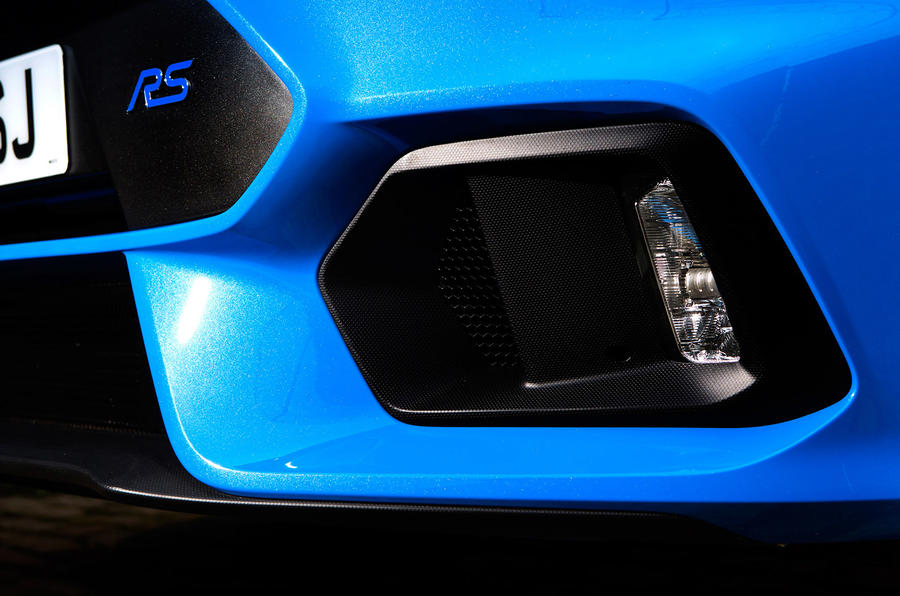 Ford Focus RS LED foglights