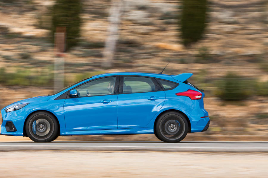 Ford Focus RS profile