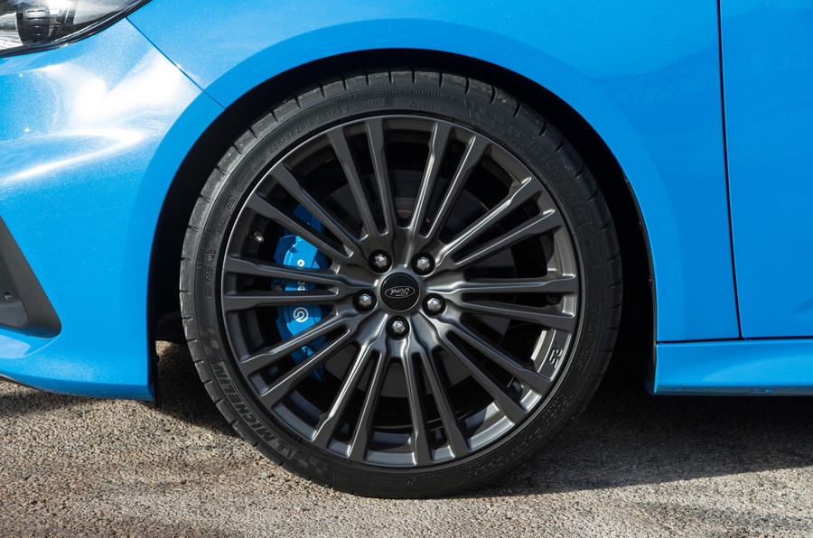 Ford Focus RS wheel
