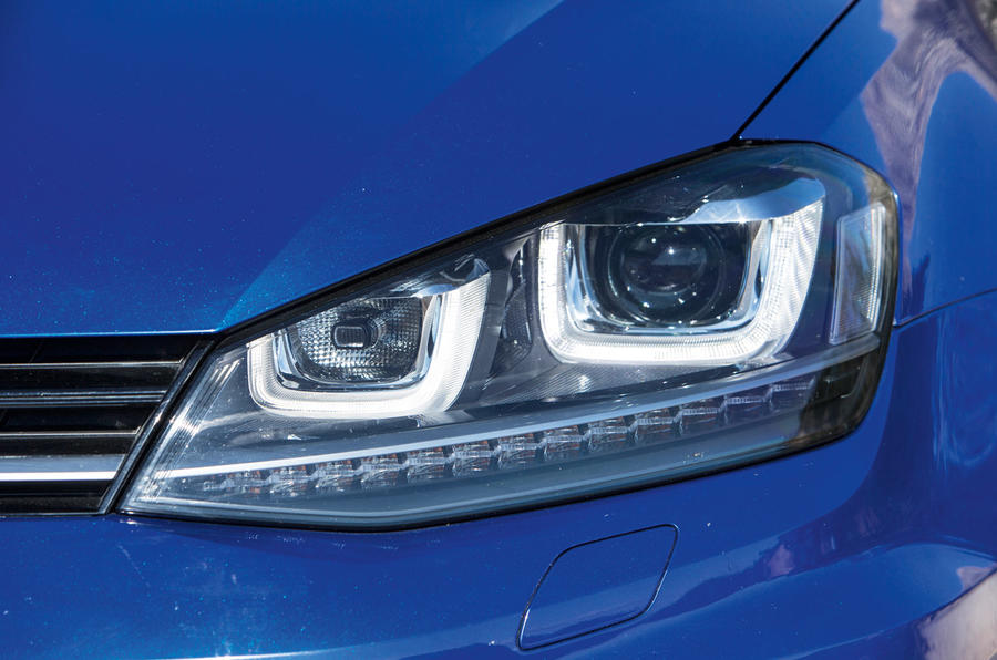 Volkswagen Golf R headlight