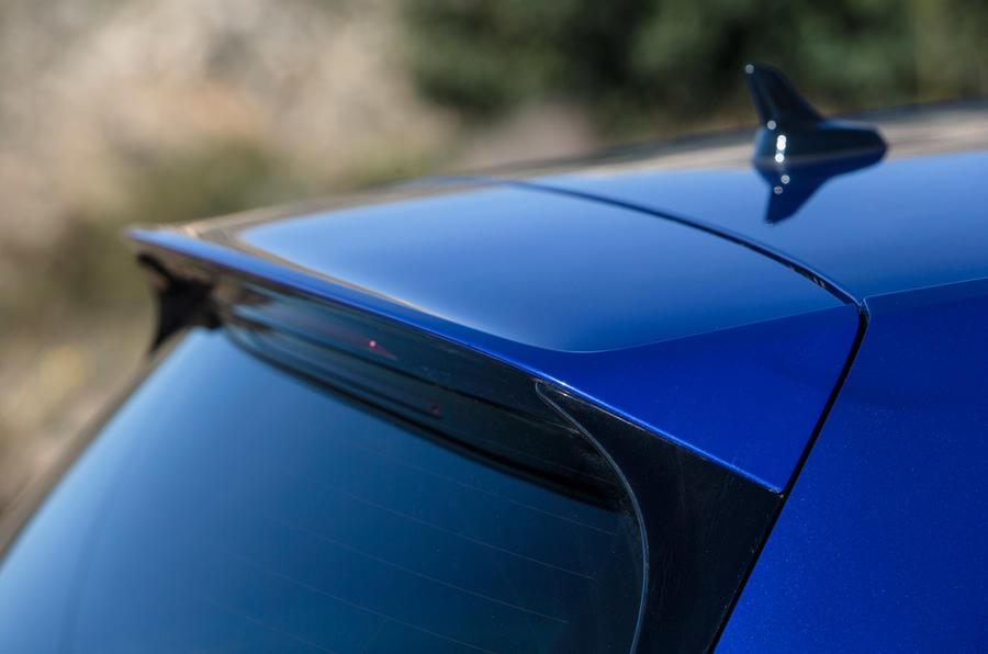 Volkswagen Golf R spoiler