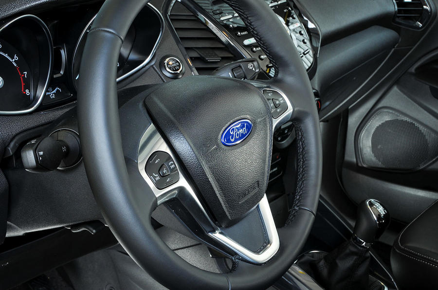 Ford Ecosport Titanium S steering wheel