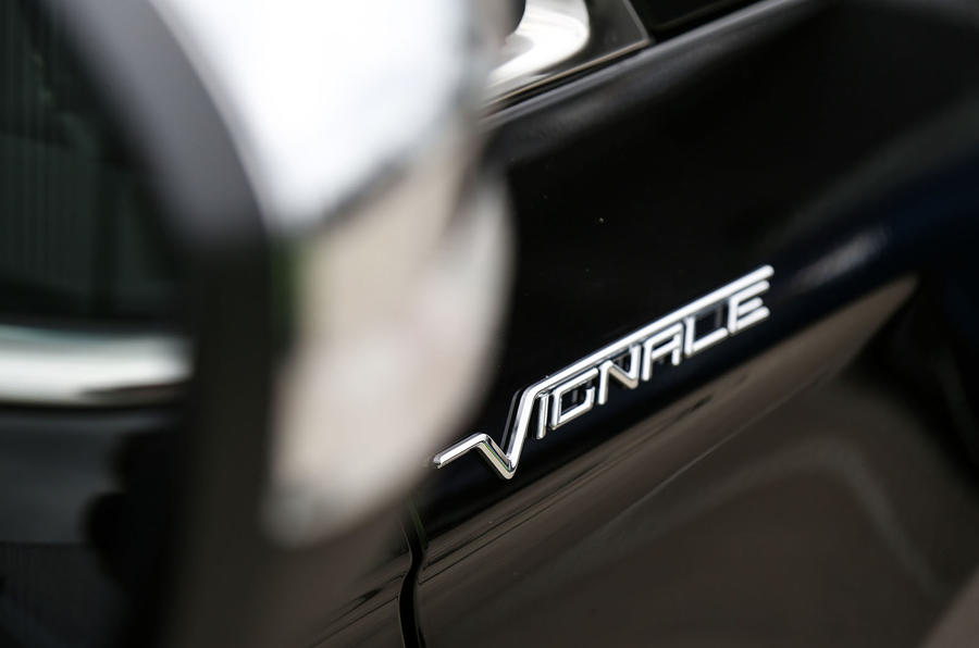 Ford Edge Vignale badging