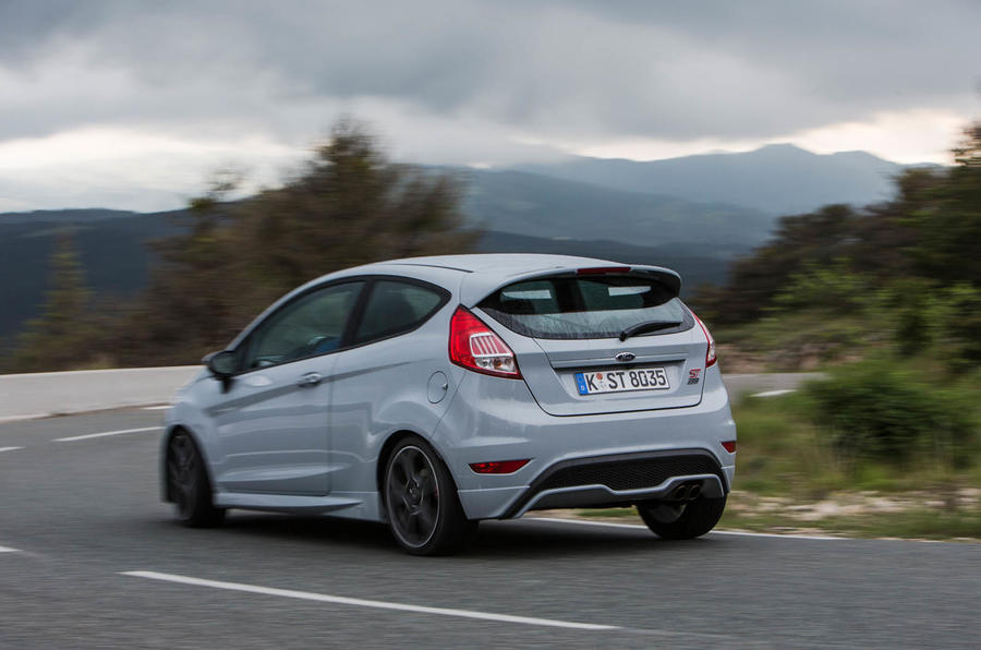 Ford Fiesta ST200 hard cornering