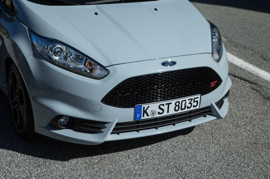 Ford Fiesta ST200 front grille