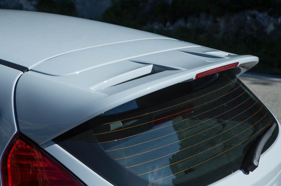 Ford Fiesta ST200 roof spoiler