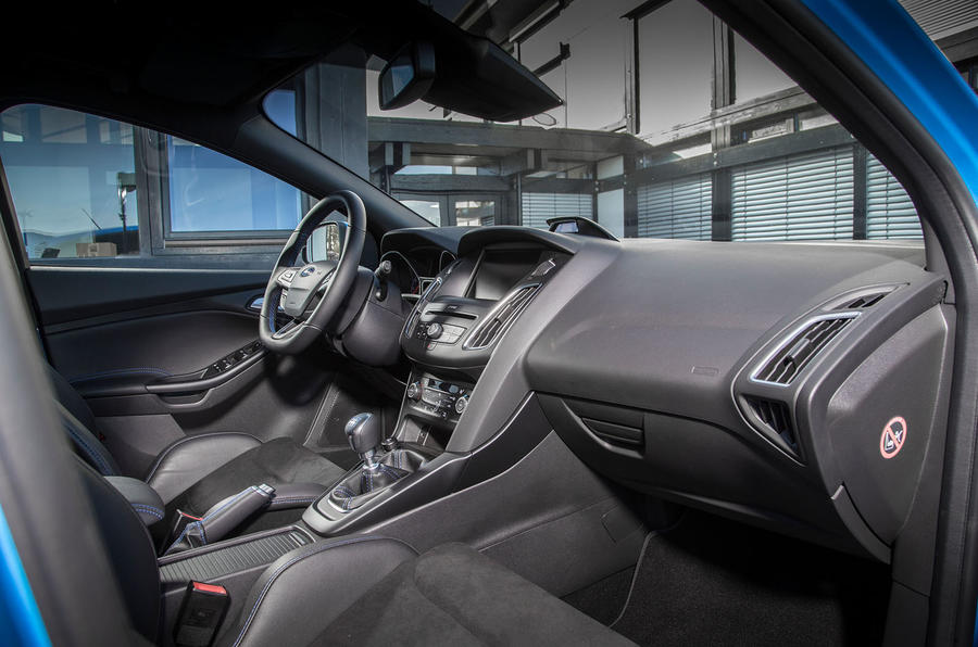 Ford Focus RS front seats