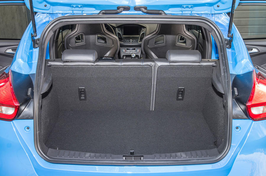 Ford Focus RS boot space