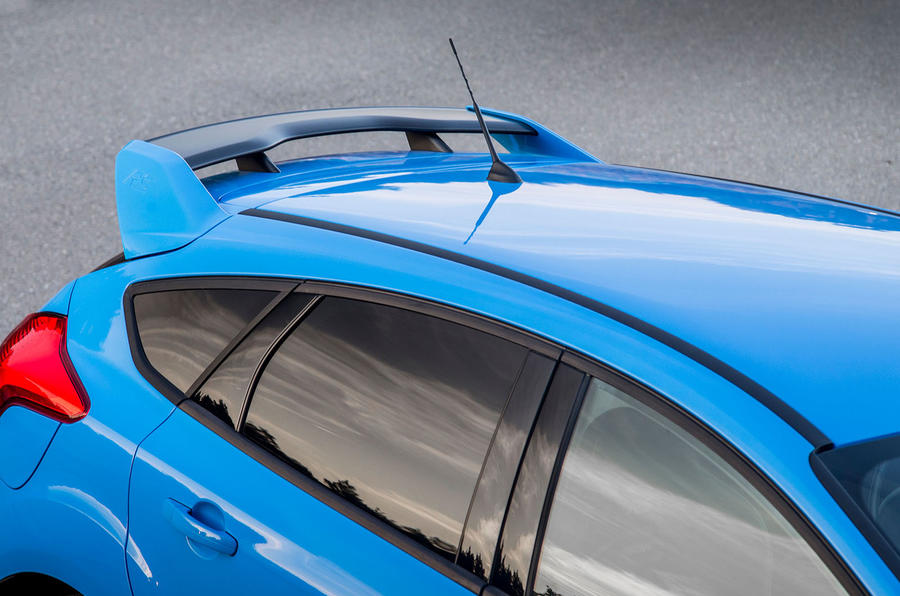 Ford Focus RS roofline