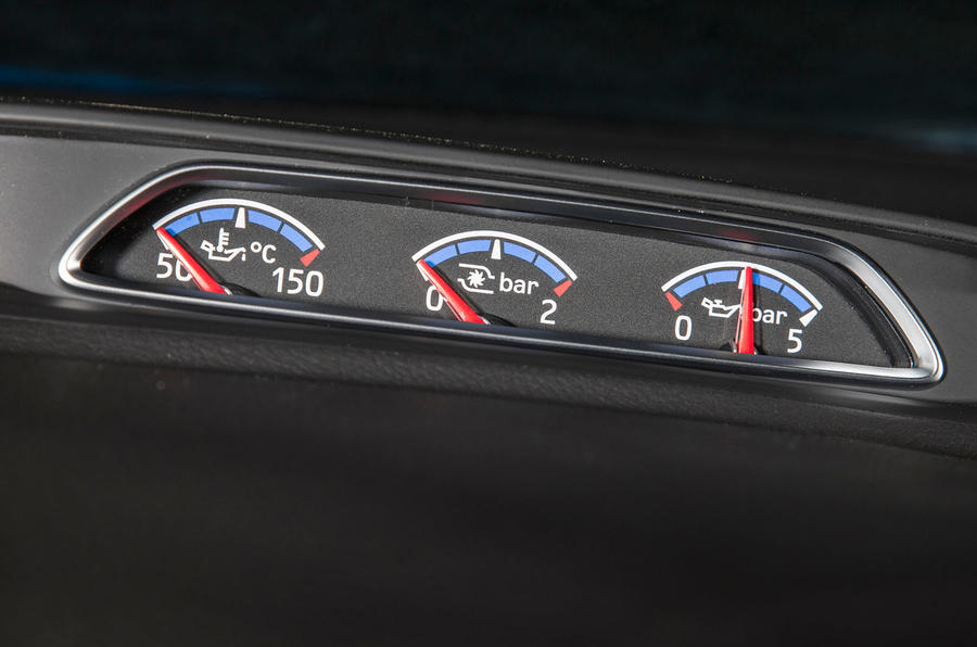 Ford Focus RS turbo gauges