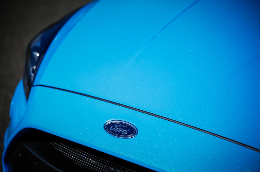 Ford Focus RS Option Pack front badge
