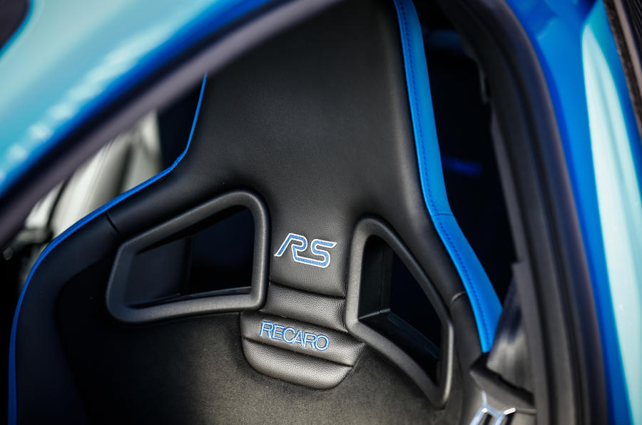 Ford Focus RS Option Pack Recaro bucket seats