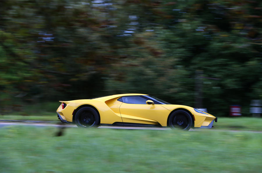 Ford GT side profile