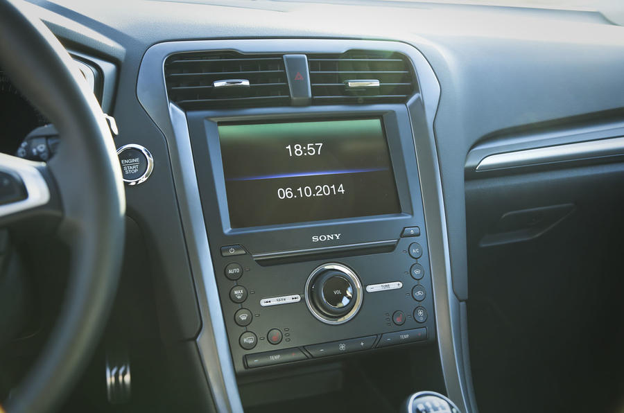 Ford Mondeo Sony infotainment