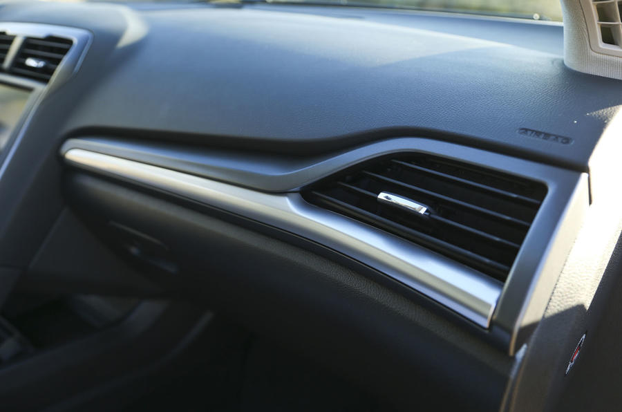 Ford Mondeo air vent