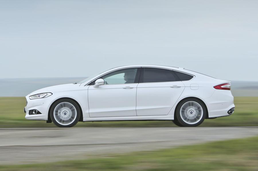 Ford Fusion 2015 Hybrid