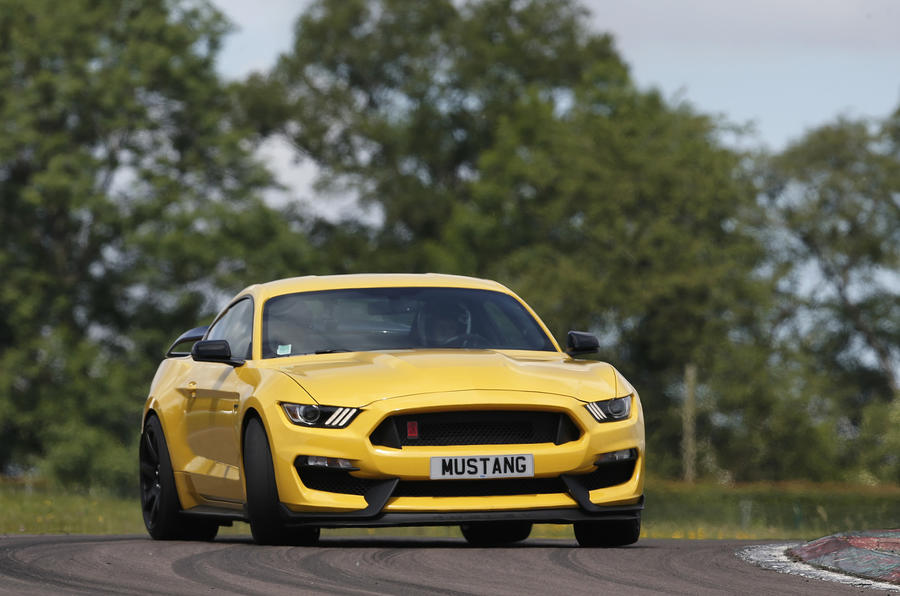 Gt350r Review >> Ford Shelby Mustang Gt350r 2017 Review Autocar