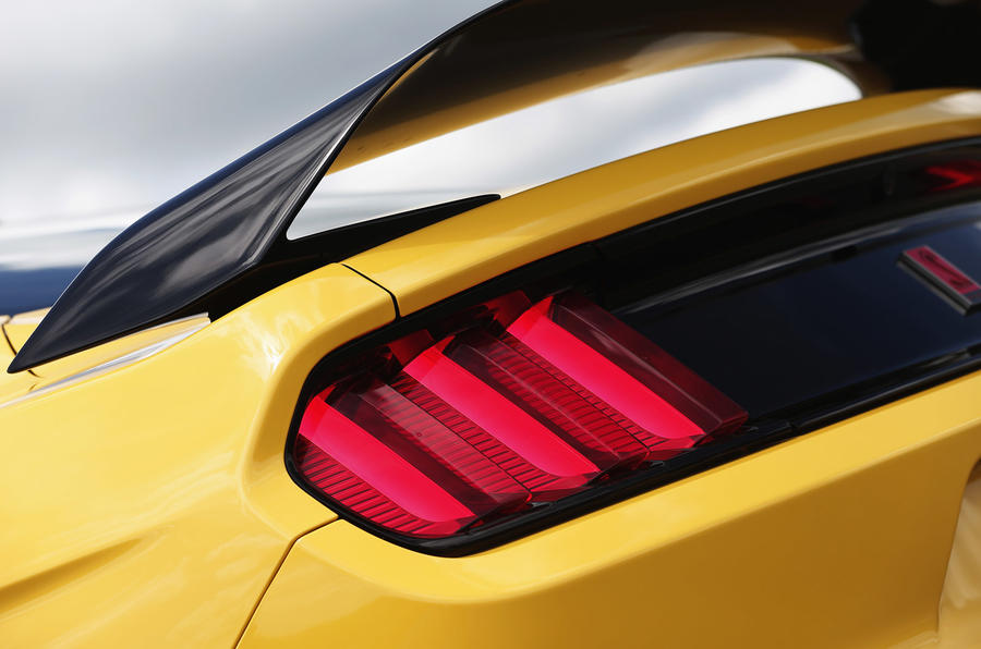 Ford Shelby Mustang GT350R rear lights
