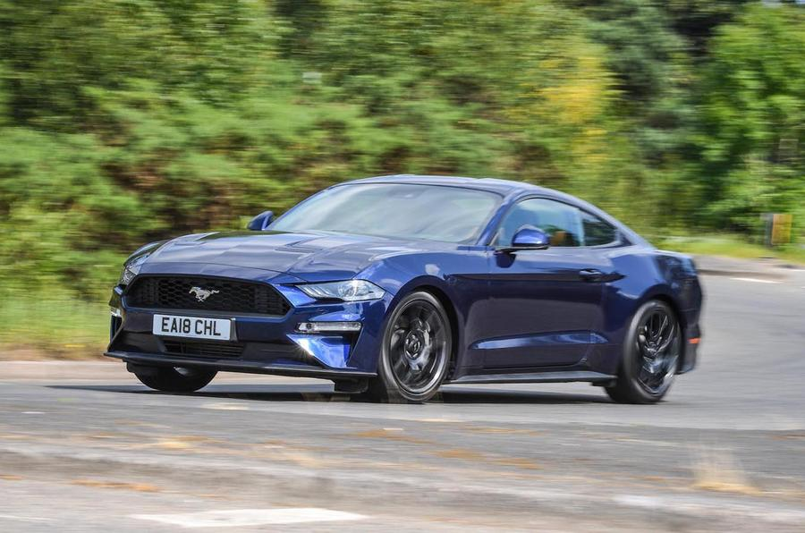 ford mustang 2 3 ecoboost 2018 uk review autocar. Black Bedroom Furniture Sets. Home Design Ideas
