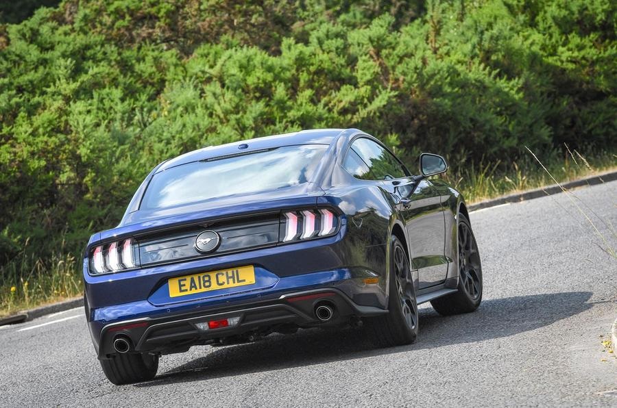 Ford Mustang 4-cylinder 2018 UK first drive review rear cornering