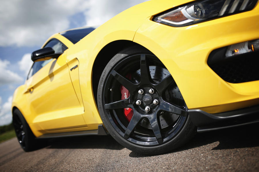 Ford Shelby Mustang GT350R alloy wheels