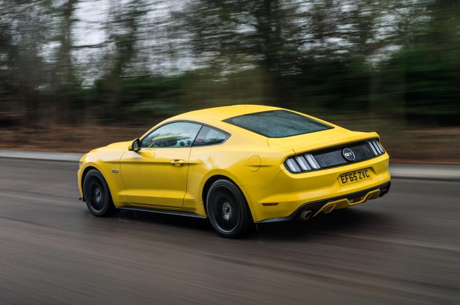 Ford Mustang 2015 tracking rear