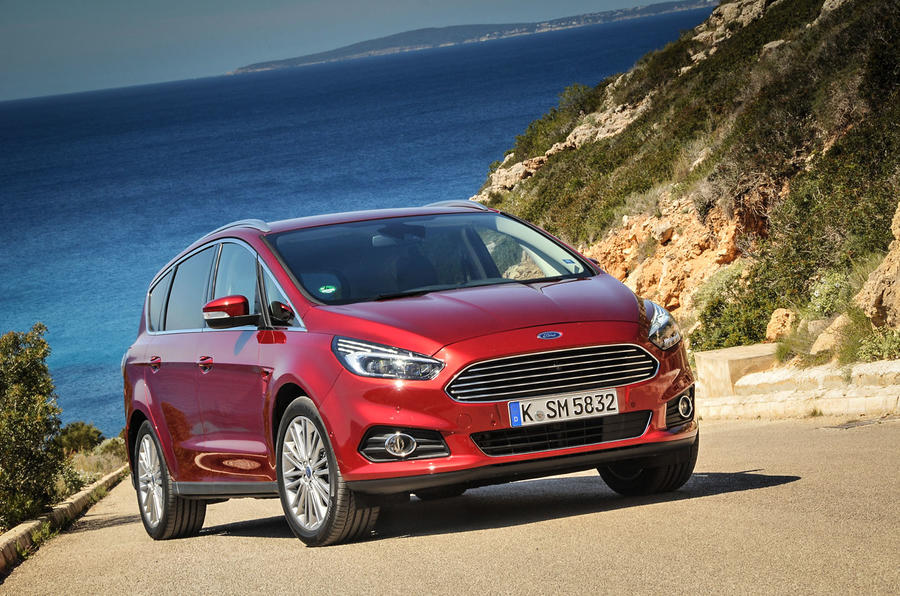 4 star Ford S-Max