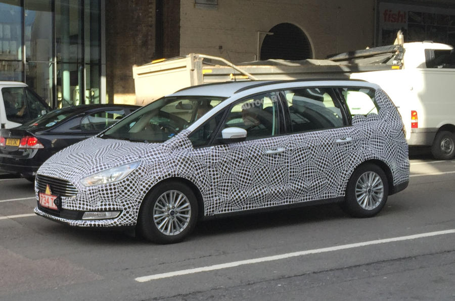 2015 - [Ford] Galaxy III - Page 6 Ford-spy-london-005