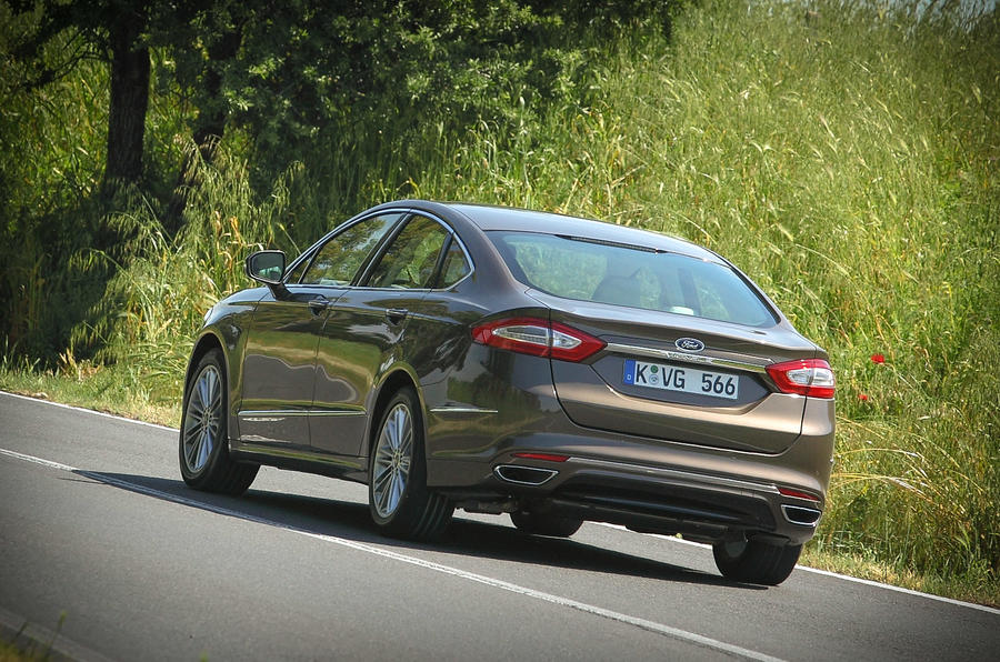 Ford Mondeo Vignale rear