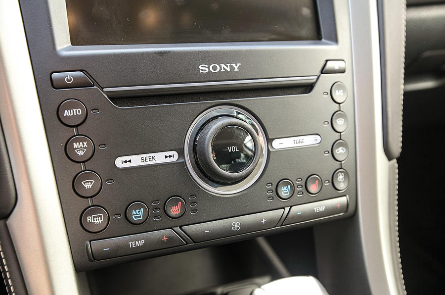 Ford Mondeo Vignale Sony infotainment