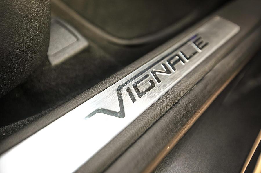 Ford Mondeo Vignale kickplates