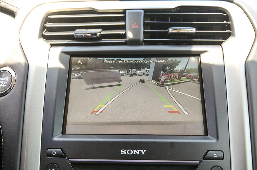 Ford Mondeo VIgnale reversing camera