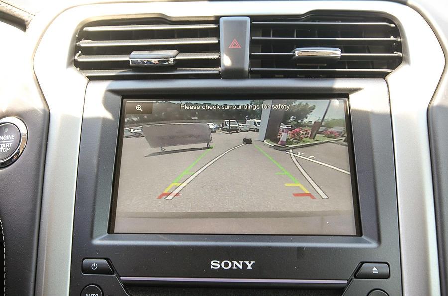 Ford Mondeo VIgnale reversing camera