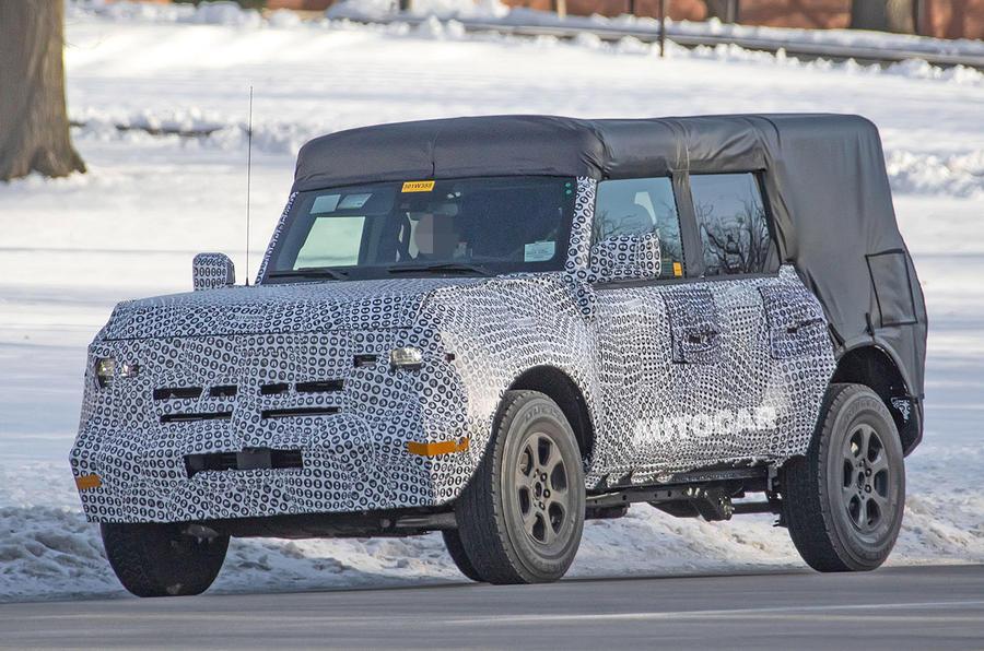 Ford Bronco 2020 spy photos - front