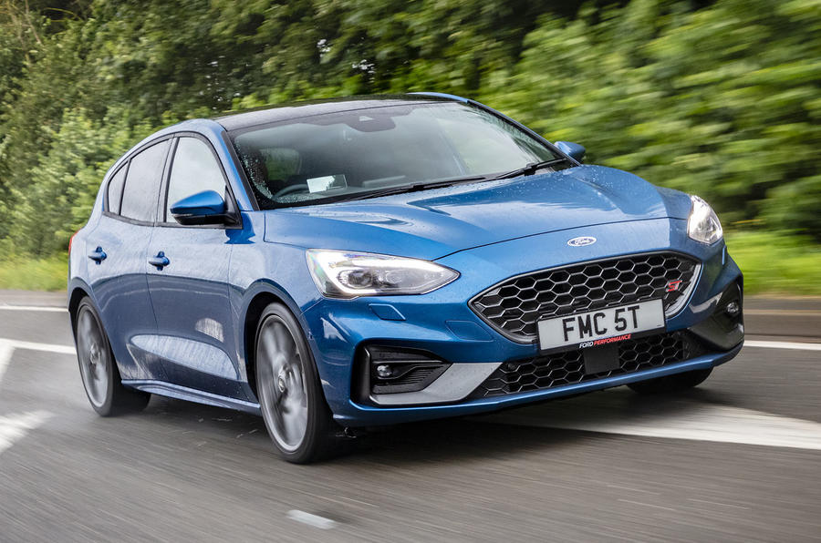 Ford Focus ST 2019 UK first drive review - tracking front
