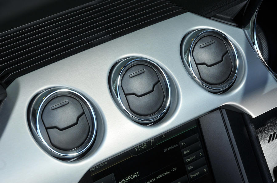 Ford Mustang Convertible air vents