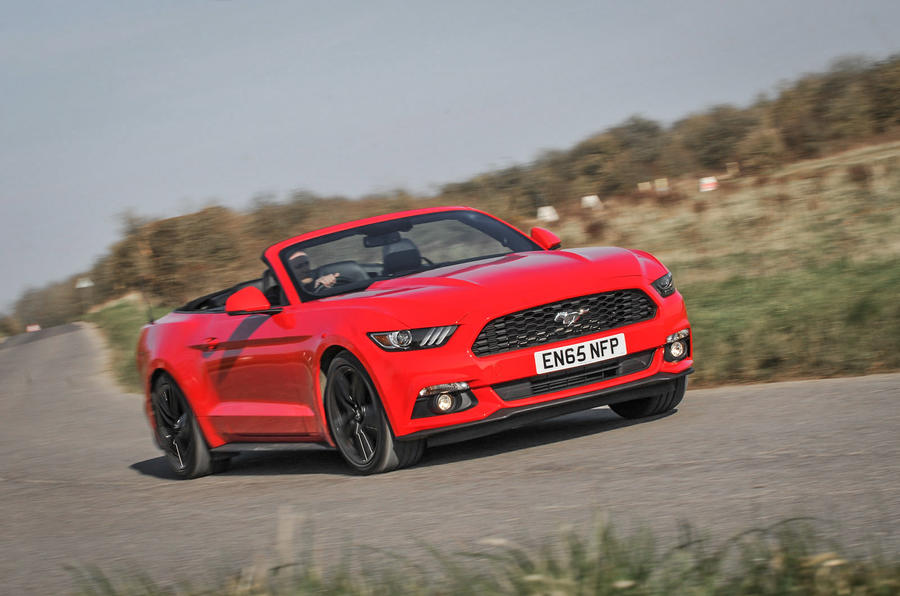 Ford Mustang Convertible cornering