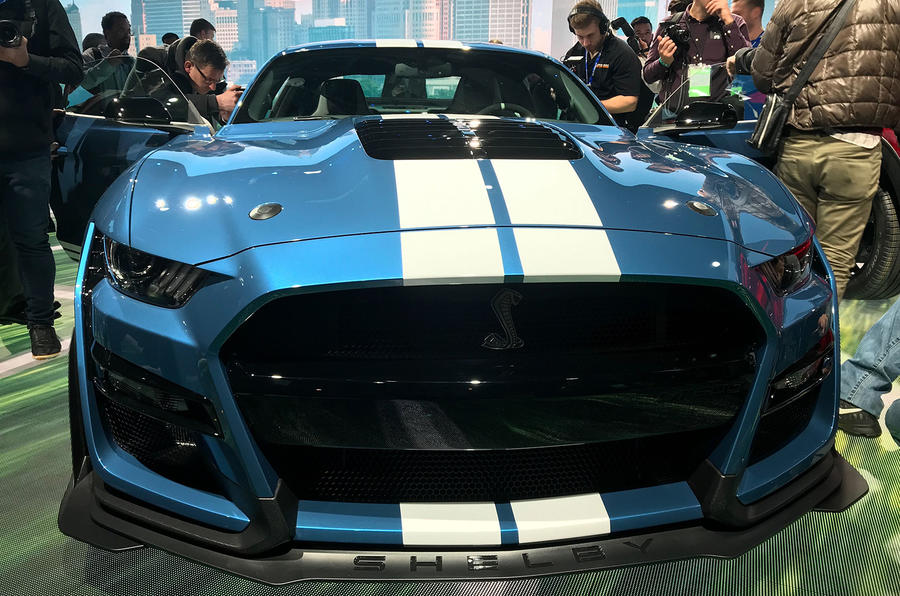Ford Mustang Shelby GT500 - on stand, Detroit - front