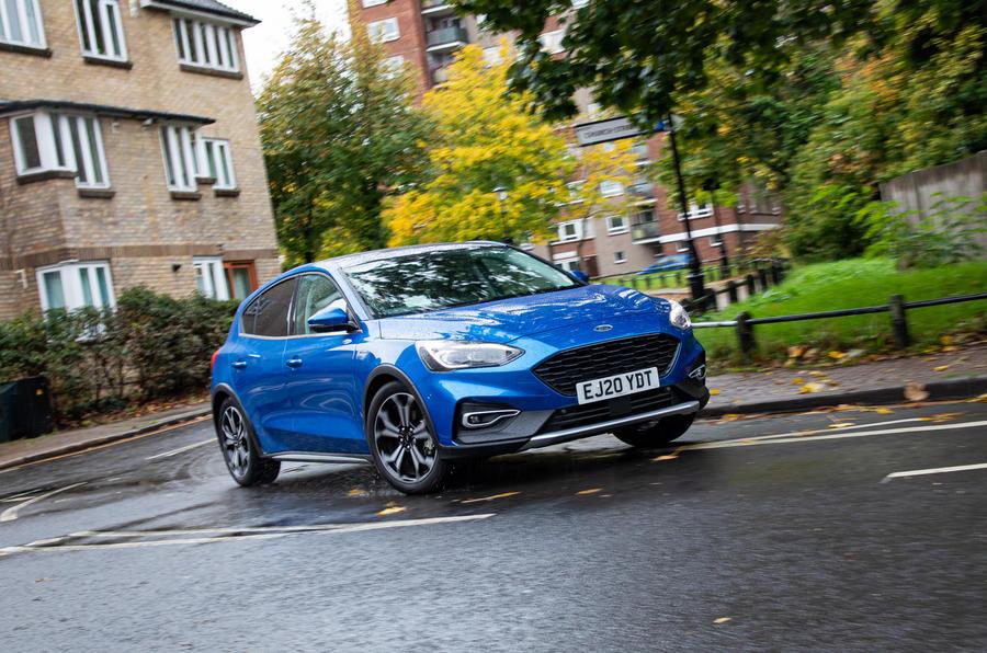 Ford Focus Active X Vignale MHEV 2020 - en courbe à l'avant