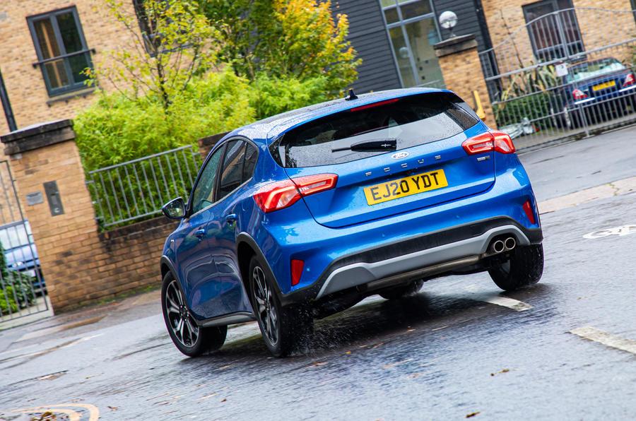 Ford Focus Active X Vignale MHEV 2020 - en virage à l'arrière