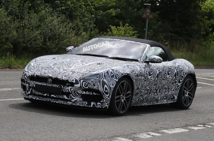 Jaguar F Type Convertible >> 2017 Jaguar F-Type R facelift to bring new infotainment ...