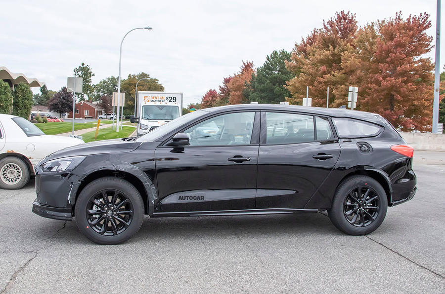 2021 Ford Mondeo crossover: test mule spied | Autocar