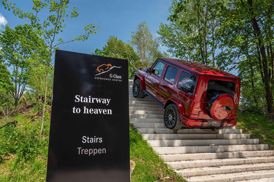 Mercedes G-Class Experience - stairs