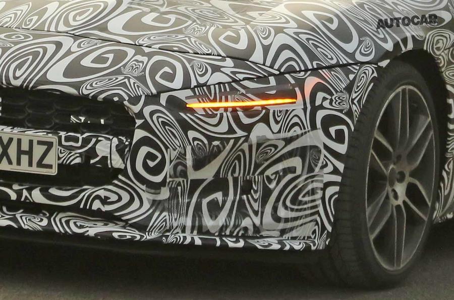Jaguar F-Type 2020 spyshot front sloe