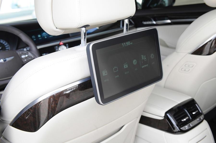 Genesis G90 rear passenger screen