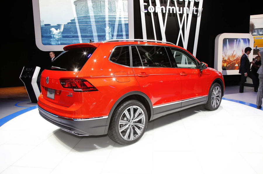 Suv With Third Row >> Volkswagen Tiguan Allspace revealed in Detroit - new pics ...