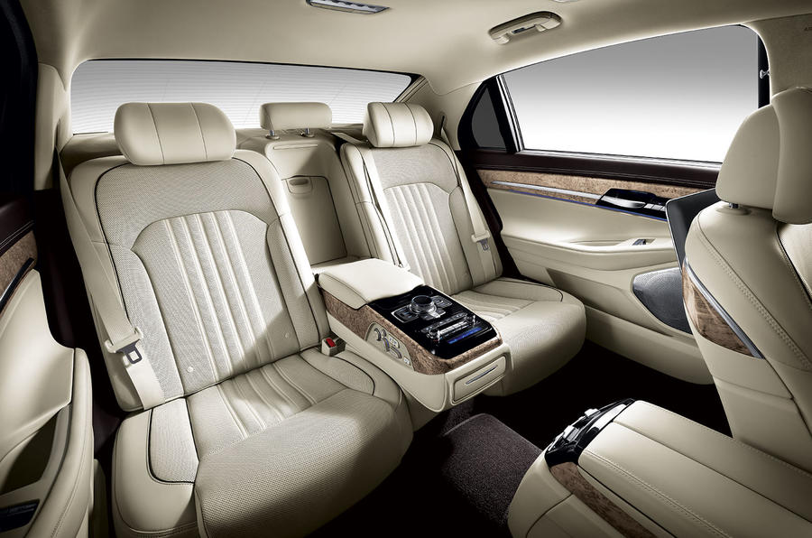 Captivating ... Hyundai Genesis G90 Interior ...