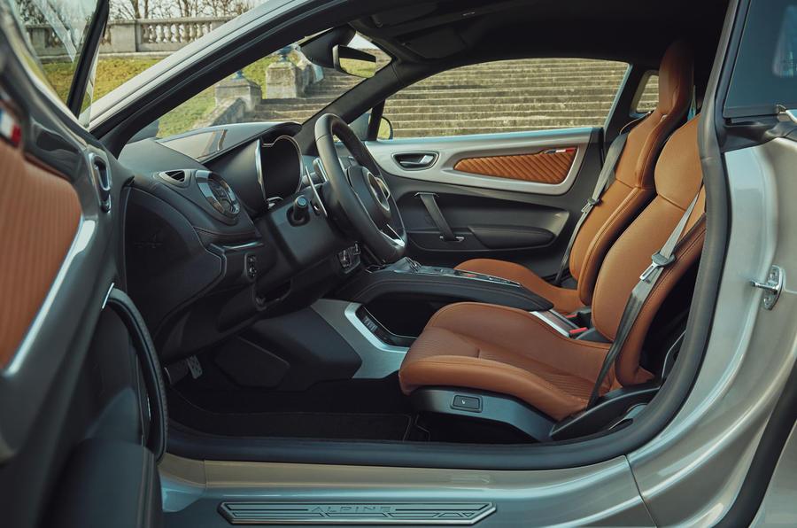 2020 Alpine A110 Légende GT - front seats